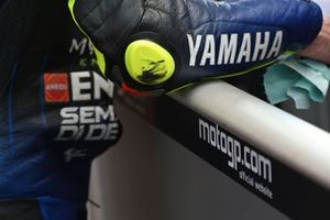 Valentino Rossi, Yamaha Factory Racing, elbow slider