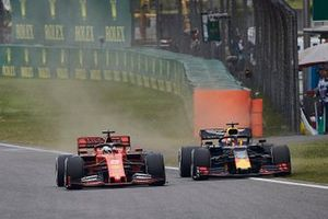 Себастьян Феттель, Ferrari SF90, и Макс Ферстаппен, Red Bull Racing RB15