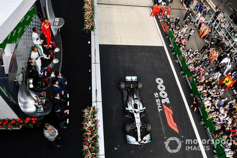 2019 - Hamilton vence a corrida nº 1000 da F1, na China