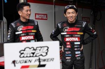 #16 MOTUL MUGEN NSX-GTの武藤英紀と中嶋大祐