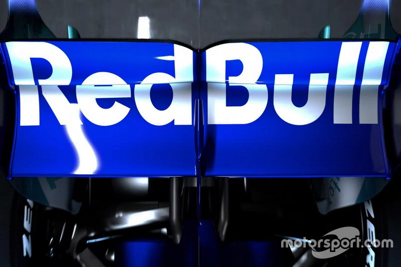 Scuderia Toro Rosso STR14 rear wing detail