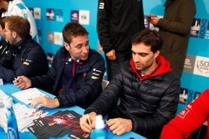 Robin Frijns, Envision Virgin Racing, Jérome d'Ambrosio, Mahindra Racing at the autograph session
