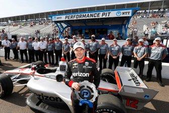 NTTP P1 Award Winnaar Will Power, Team Penske Chevrolet met zijn team