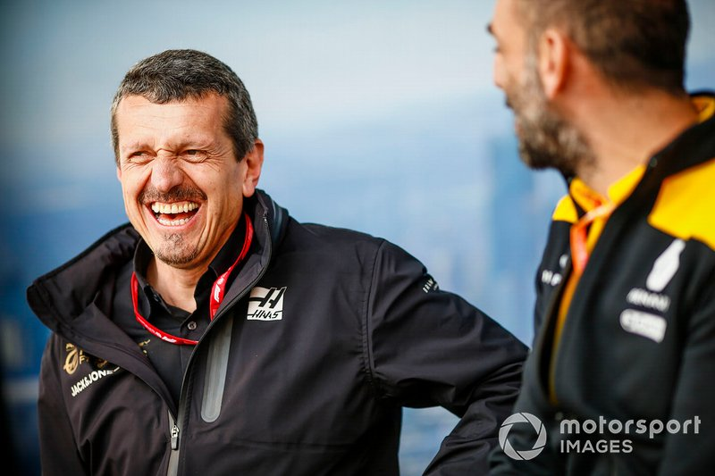 Guenther Steiner, Team Principal Haas F1, Cyril Abiteboul, Managing Director Renault F1 Team