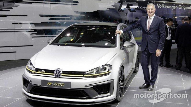 Volkswagen Golf R 400 на автосалоні в Китаї
