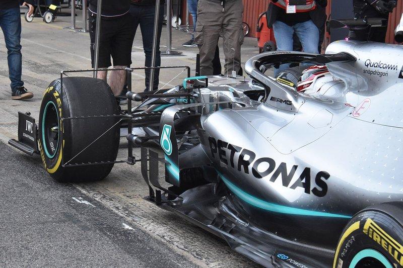 Le côté de la Mercedes AMG F1 W10