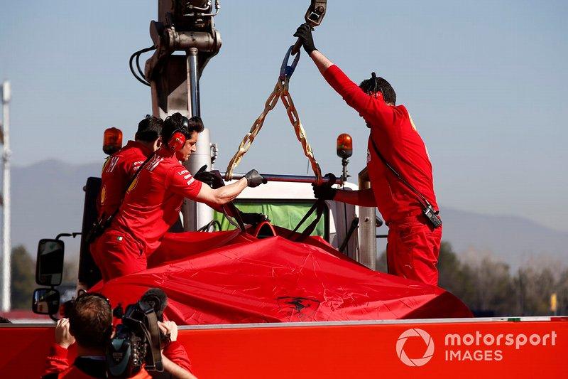 El coche de Sebastian Vettel, Ferrari SF90, tras el accidente