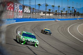Kyle Busch, Joe Gibbs Racing, Toyota Camry Interstate Batteries, Ryan Newman, Roush Fenway Racing, Ford Mustang