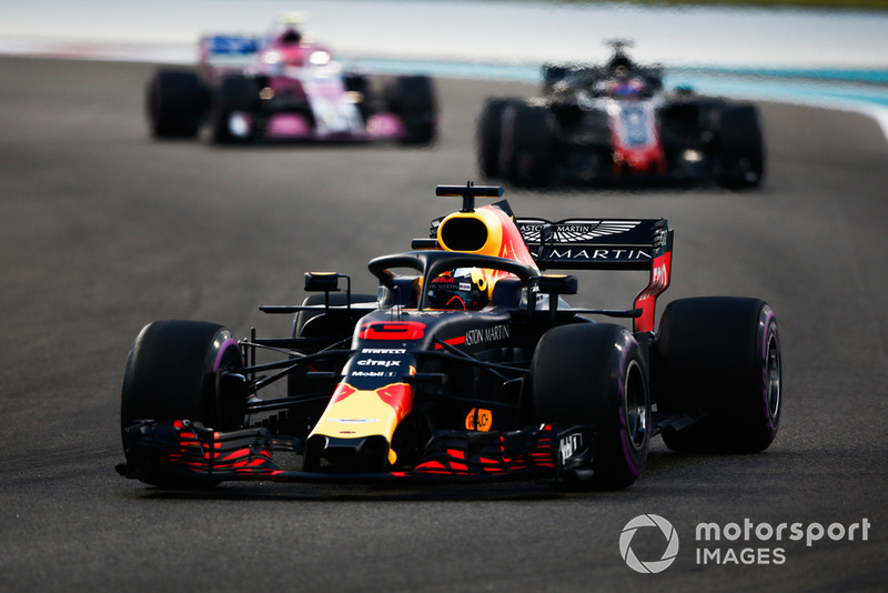 Daniel Ricciardo, Red Bull Racing RB14, Romain Grosjean, Haas F1 Team VF-18 y Esteban Ocon, Racing Point Force India VJM11