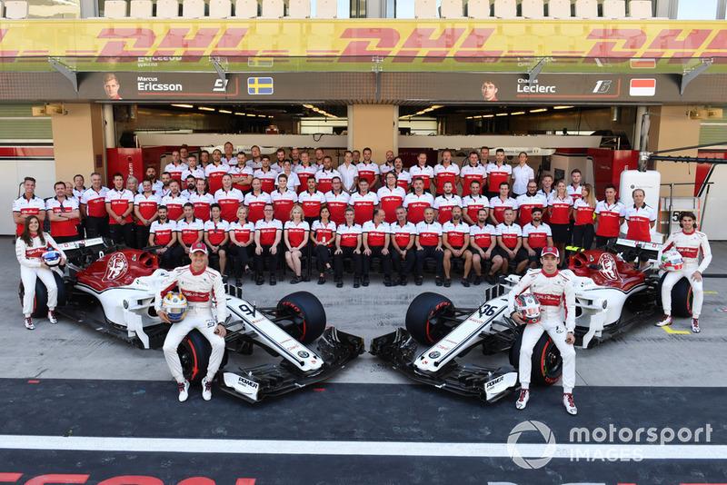Sauber team photo