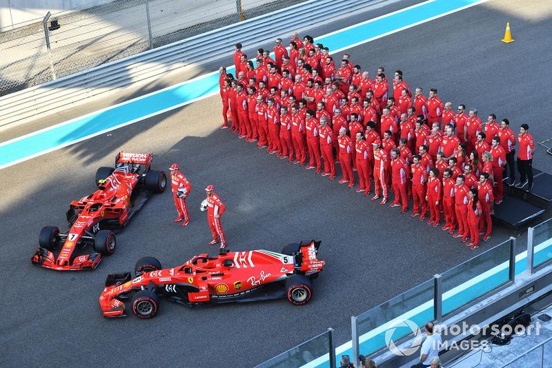Foto de grupo de Ferrari team
