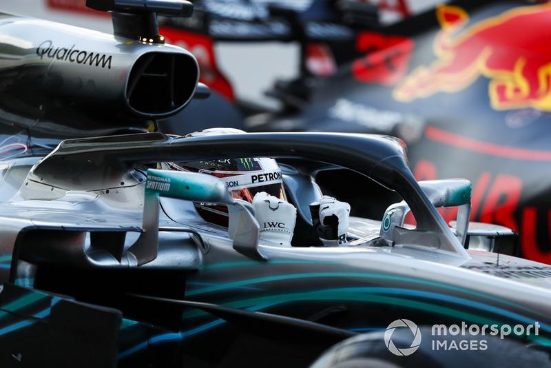 Hamilton y Mercedes celebran la victoria