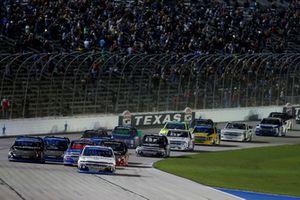 Johnny Sauter, GMS Racing, Chevrolet Silverado ISM Connect, Noah Gragson, Kyle Busch Motorsports, Toyota Tundra Safelite AutoGlass