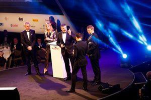 McLaren F1 driver Lando Norris and BTCC driver Jason Plato present the McLaren Autosport BRDC Award