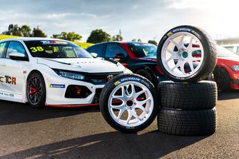 TCR Australia launch cars