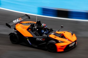 James Baldwin con el KTM X-Bow Comp R