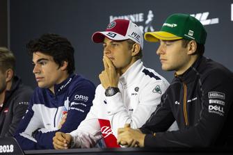 Lance Stroll, Williams Racing, Marcus Ericsson, Sauber y Stoffel Vandoorne, McLaren en la conferencia de prensa
