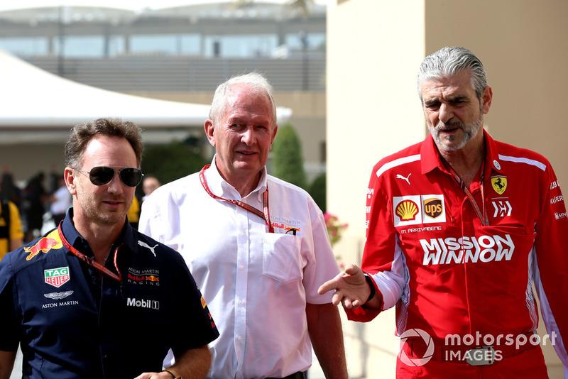 Консультант Red Bull Racing Гельмут Марко, керівник Red Bull Racing Крістіан Хорнер, керівник Ferrari Мауріціо Аррівабен