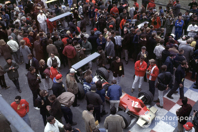 34: Mario Andretti, Lotus 49B