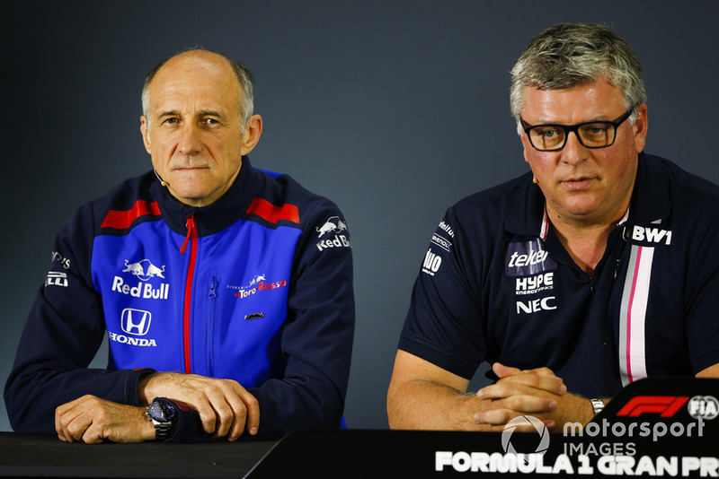 Franz Tost, directeur, Scuderia Toro Rosso, et Otmar Szafnauer, directeur, Racing Point Force India, en conférence de presse