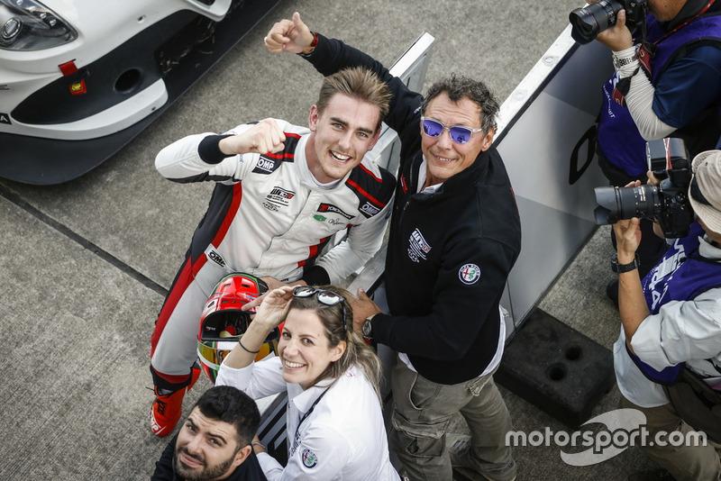 Il vincitore della gara Kevin Ceccon, Team Mulsanne Alfa Romeo Giulietta TCR