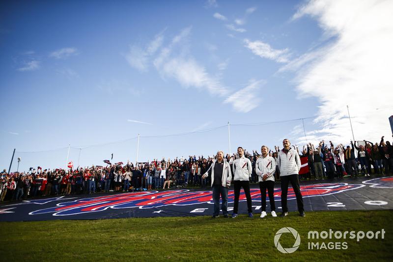 Gene Haas, Team Owner, Haas F1, Romain Grosjean, Haas F1 Team, Kevin Magnussen, Haas F1 Team, and Guenther Steiner, Team Principal, Haas F1