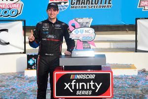 Chase Briscoe, Biagi-DenBeste Racing, Ford Mustang Nutri Chomps/Ford, celebrates in victory lane