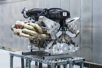 Aston Martin Valkyrie V12 Cosworth