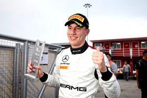 Ganador de la pole #999 Mercedes-AMG Team GruppeM Racing Mercedes - AMG GT3: Raffaele Marciello