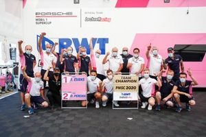 Team champion, Jaxon Evans, BWT Lechner Racing, Dylan Pereira, BWT Lechner Racing con il team