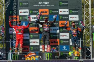 Podio: Jeremy Seewer, Monster Energy Wilvo Yamaha Factory Racing, Jeffrey Herlings, Red Bull KTM Factory Racing, y Tony Cairoli, Red Bull KTM Factory Racing