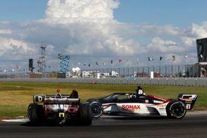 Crash: Scott McLaughlin, Team Penske Chevrolet, Rinus VeeKay, Ed Carpenter Racing Chevrolet