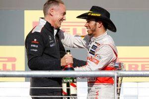 Podium: Martin Whitmarsh, Team Principal, McLaren, and race winner Lewis Hamilton, McLaren