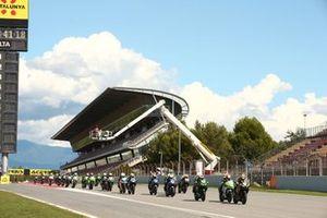 Yuta Okaya, MTM Kawasaki Motoport davanti a tutti alla partenza della gara