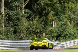 #95 TF Sport Aston Martin Vantage GT4: Connor O'Brien, Patrick Kibble