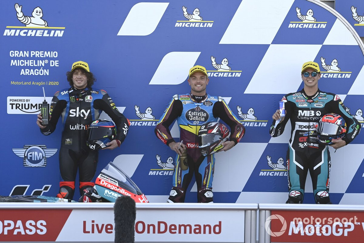 Ganador de la pole Sam Lowes, Marc VDS Racing, segundo lugar Marco Bezzecchi, Sky Racing Team VR46, tercer lugar Fabio Di Giannantonio, Speed Up Racing