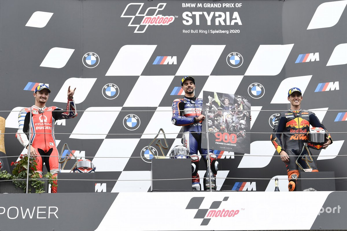Il vincitore Miguel Oliveira, Red Bull KTM Tech 3, secondo posto Jack Miller, Pramac Racing, terzo posto Pol Espargaro, Red Bull KTM Factory Racing
