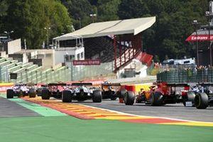 Charles Leclerc, Ferrari SF1000, Pierre Gasly, AlphaTauri AT01, and Sebastian Vettel, Ferrari SF1000, chase the pack at the start