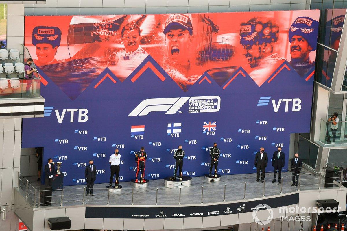 Podio: ganador de la carrera Valtteri Bottas, Mercedes-AMG F1, segundo lugar Max Verstappen, Red Bull Racing, tercer lugar Lewis Hamilton, Mercedes-AMG F1
