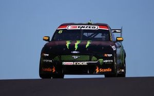 Cameron Waters ve Will Davison, Tickford Racing