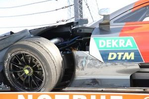 Crash: Loic Duval, Audi Sport Team Phoenix, Audi RS 5 DTM