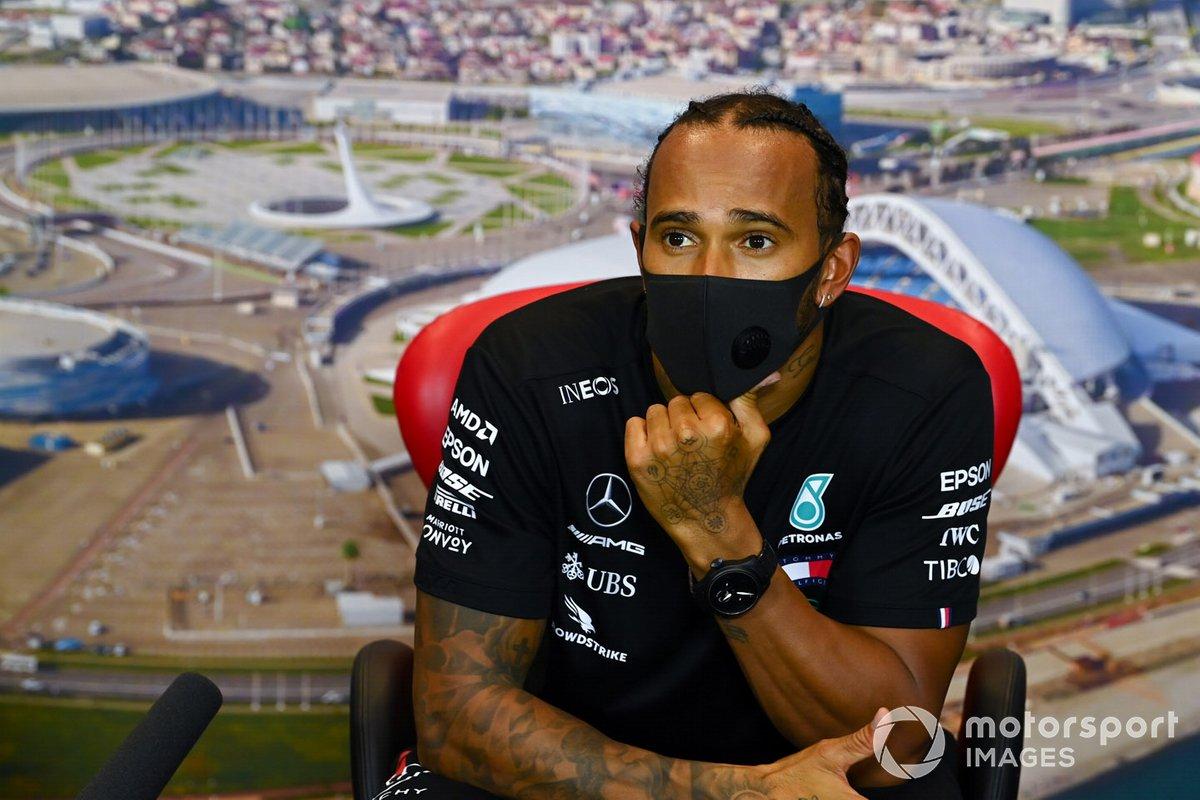Lewis Hamilton, Mercedes-AMG F1, nella conferenza stampa dopo le qualifiche