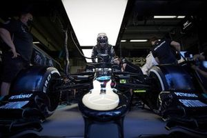 Lewis Hamilton, Mercedes F1 W11, in the garage