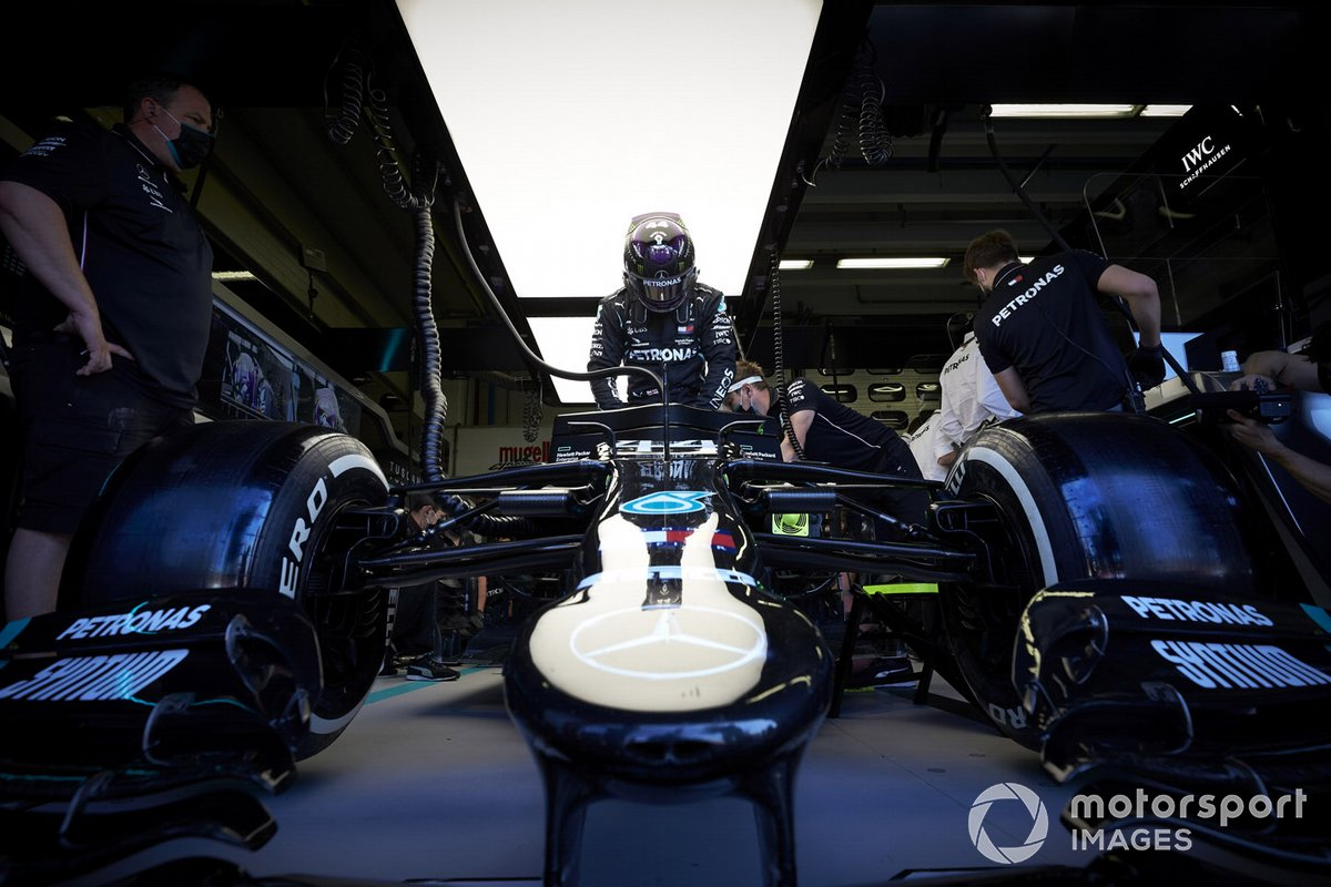 Lewis Hamilton, Mercedes F1 W11, in the garage