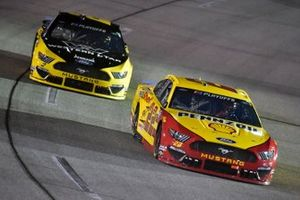 Joey Logano, Team Penske, Ford Mustang Shell Pennzoil and Brad Keselowski, Team Penske, Ford Mustang Western Star/Alliance Parts