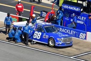 Clay Greenfield, Clay Greenfield Motorsports, Toyota Tundra Rackley Roofing pit stop