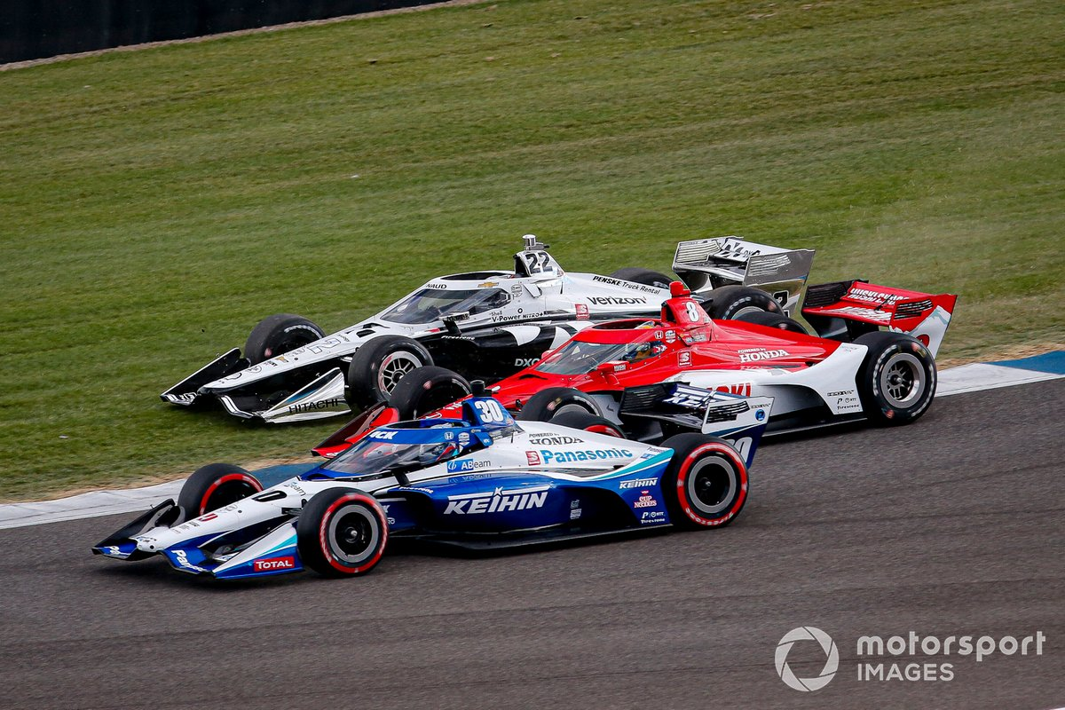 Takuma Sato, Rahal Letterman Lanigan Racing Honda, Marcus Ericsson, Chip Ganassi Racing Honda, Simon Pagenaud, Team Penske Chevrolet three-wide