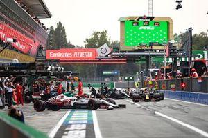 Antonio Giovinazzi, Alfa Romeo Racing C41, leaves the garage