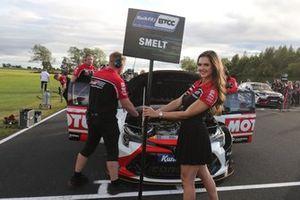 Sam Smelt, Toyota Gazoo Racing UK Toyota Corolla, Grid Girl