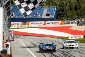Race winner #Liam Lawson, AF Corse Ferrari 488 GT3 Evo, Marco Wittmann, Walkenhorst Motorsport BMW M6 GT3